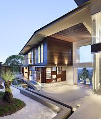 Luxury Modern Residence With Breathtaking Views Of Glass House ...