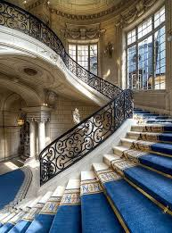 Le château de châtenay rouvre ses portes dans des conditions sanitaires optimales. Staircaise At Chateau Versailles Paris France First Time I Was There I Was A Bratty Teenager Sleepy From Jetlag And Had No Stairs Grand Staircase Staircase