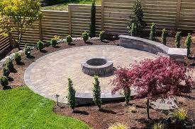 round patio with square pavers