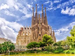 With the new year, activity has returned to the sagrada família in a big way. This Is What The Sagrada Familia Will Look Like When Completed In 2026 Matador Network
