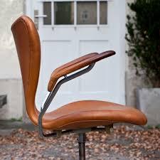 arne jacobsen office chair. buerostuhl_fritz_hansen_braun_side buerostuhl_fritz_hansen_braun_rollen buerostuhl_fritz_hansen_braun_detail_from buerostuhl_fritz_hansen_braun_logo arne jacobsen office chair l