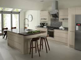 White Or Wood Kitchen Cabinets White Or Beige Kitchen Cabinets Quicuacom
