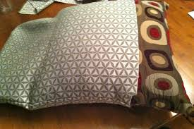 no sew pillow covers using hot glue