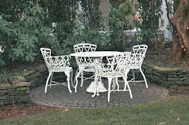 white wrought iron outdoor furniture