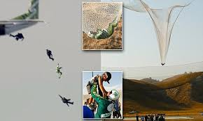 Luke Aikins is first skydiver to jump 25,000 feet into a net without a ...