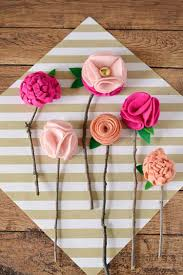 this paper rose mother s day rustic frame is just what mom is hoping for in the homemade mothers day gifts department her jaw is going to drop when she