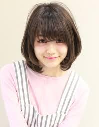 暗髪ひし形シルエット小顔ミディhi 258 ヘアカタログ髪型ヘア