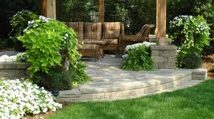 how build a retaining wall for elevated patio patio designs