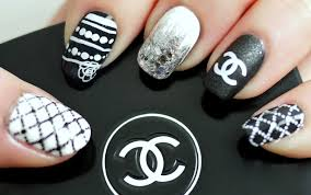 Black & White Chanel Inspired Nail Tutorial (Konad Stamping) - YouTube