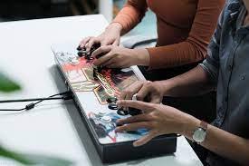 Trên tay máy chơi game thùng Pandora 9S: một chiếc vé khác trở về tuổi thơ