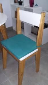 venta de 4 sillas de pino y mdf