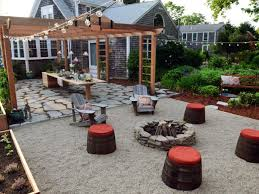 grand laying a gravel patio
