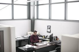 Image Open Space Eric Stein An Employee At Construction Company Tidewater Glazing Works In His Office That Wall Street Journal Finally Sunlight In The Office Cubicle Wsj