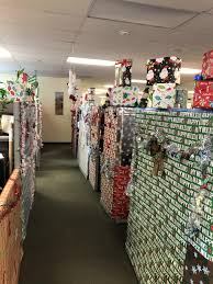 Decorate office jessica Cubicle Team Vs Team Office Cubical Decorating Competition This Linkedin Jessica Nile Cash Operations Manager Maine Medical Center Linkedin