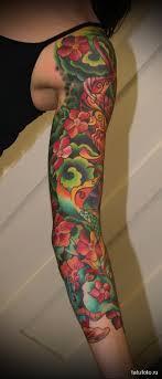 яркий рукав из цветов татуировка на руку женская Tatufotocom