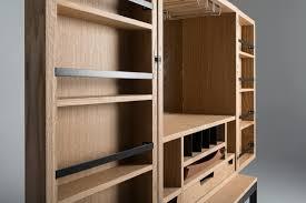 Barschrank Aus Holz Mit Glas Und Flaschenhalter Idfdesign