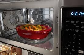 my microwave keep ing fuses
