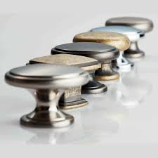 kitchen and cabinet door knobs