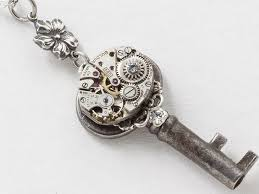 victorian skeleton key necklace with