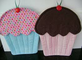 Best 25+ Homemade potholders ideas on Pinterest | DIY bags from ... & Northern Deb Quilts: Making cupcake pot holders These would be great mug  rugs! Adamdwight.com