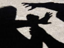 Розбійний напад з погрозою застосування насильства