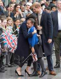 """Arthur Edwards on Twitter: """"Prince Harry brings Sophia Richards 10 to meet  his great love Megham Meghan heard how Sophia had ambitions to be an  actress, Meghan shook her hand, and gave"""