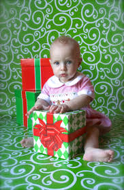 Christmas Picture Backdrop Ideas Another Wrapping Paper Backdrop From Hobby Lobby Do It Yourself