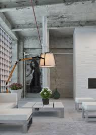 Lucide Verstelbare Vloerlamp Aldgate Houten Poten Zwarte Metalen