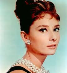 new color photo of audrey hepburn in her clic role as holly golightly in breakfast at tiffany s photo is 4 x 6 and professionally printed on ko