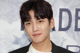 韓国 人気 俳優