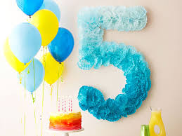 10+ Great DIY Party Decorations