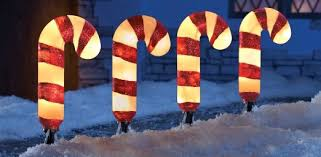 Candy Cane Yard Decorations 60 Great Porch Christmas Decorations For The Holidays 60