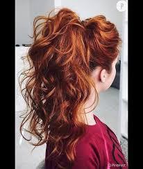 3 Coiffures Inratables Pour Les Cheveux Bouclés Puretrend