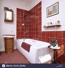 Badezimmer 80er Jahre Rosa Clawfoot Badewanne Im Viktorianischen Neu