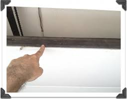 garage door weatherstrip design