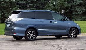 Toyota Estima Hybrid Minivan 2011 Review and Pics