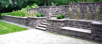 building a block retaining wall how to build a retaining wall with landscape blocks modular block building a block retaining wall