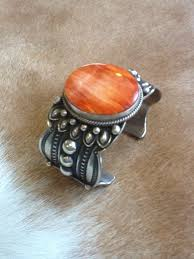 native american orange spiny oyster cuff looking at such beauty tells the capabilities of native american art this piece of native american jewelry is