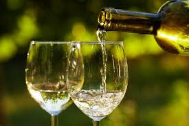 are you finding it hard to choose the perfect white wine for a special occasion or casual meal there are many types of white wine a few are top brands