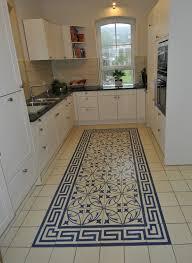 Casa 1 Zementfliesen in der Küche Fläche CHA072 Rand RAN010
