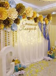 60+ How To Use Giant Paper Flowers At Your Wedding 24 | Paper flower  backdrop wedding, Flower backdrop wedding, Paper flowers wedding