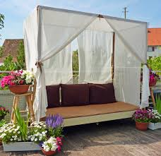 diy outdoor canopy bed