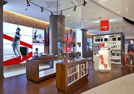 Verizon's Destination Store concept is the latest example of how retailers  are blurring the lines between