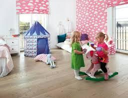 Holz Im Kinderzimmer Ist Eine Gute Wahl. Das Natürliche Material Ist Robust  Und Warm.