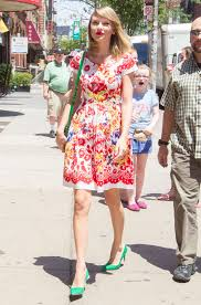 Small Picture Taylor Swift in Floral Print Dress 07 GotCeleb