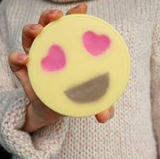 diy heart emoji lotion mage bars by the makeup dummy