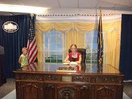 desk in oval office. Oval Office Desk Dimensions In
