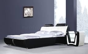 White modern platform bed White Gloss Furniture Depot Black White Leatherette Modern Platform Bed Wbolster Cushions