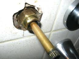 how to repair a leaky tub faucet fashionable fixing a leaky bathtub faucet hot water leaking