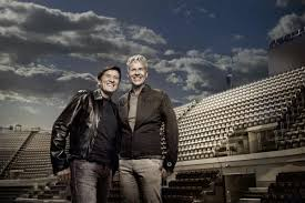 Gianni Morandi a Zelig conduttore con Geppi Cucciari: l'annuncio del  cantante su Facebook - Televisionando